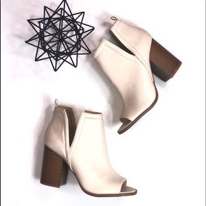 Off White Qupid Ankle Booties Size 9